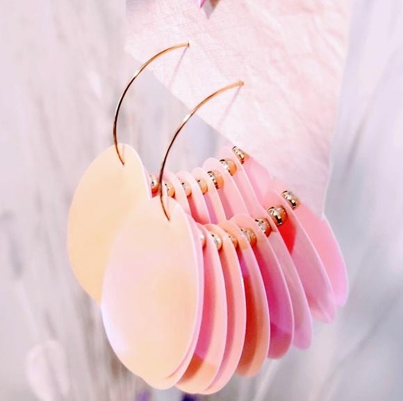 MediabyMedina Jewelry - 🎉4 for $20💞Gold hoop earrings, pink discs